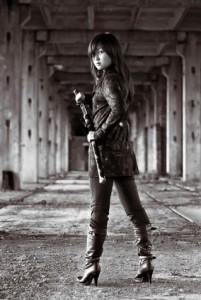 Ca fait partie du concept : pour chaque article sur les 36 stratagèmes, il faut une ninja girl sexy !